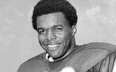 HOF Running Back Gale Sayers Dies at 77